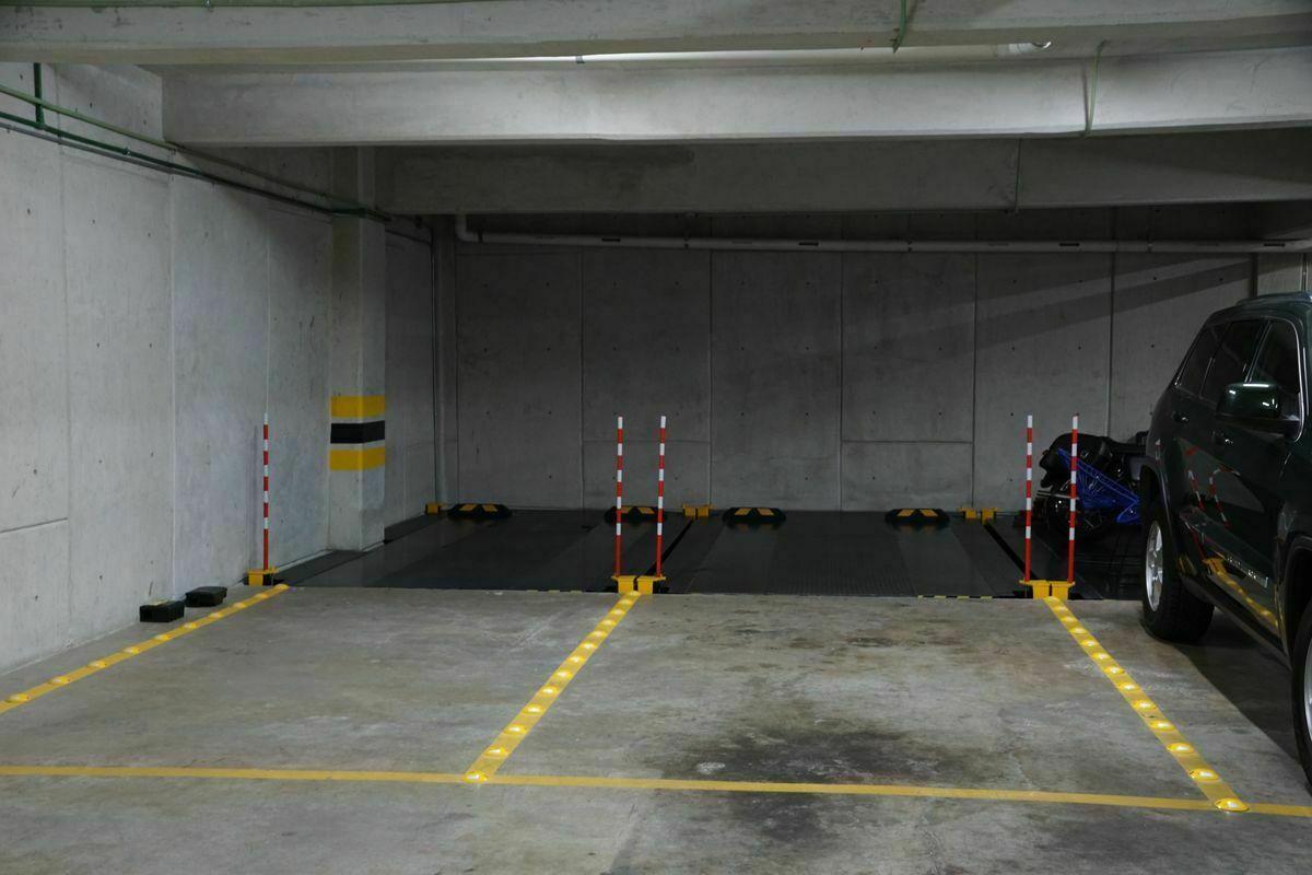 32 de 32: Dos lugares de estacionamiento. Elevador.