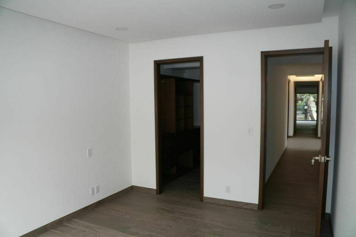 13 de 32: Habitación principal.