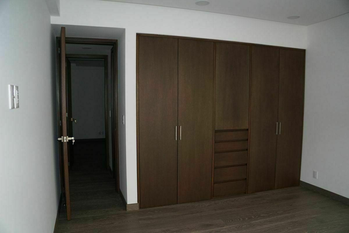 19 de 32: Segunda habitación.