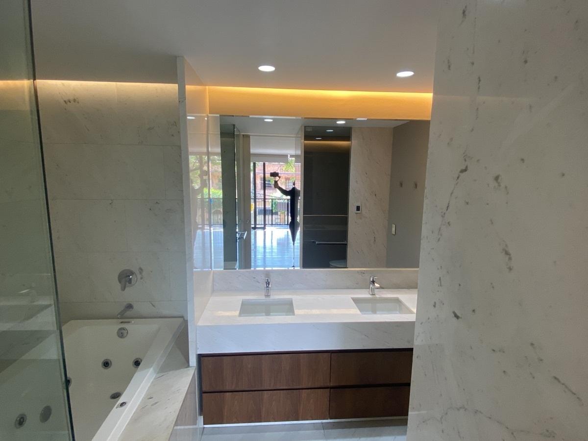 15 de 15: Baño principal