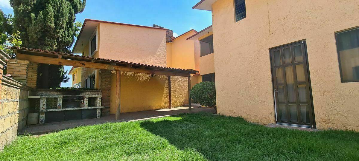 4 de 15: Casa en Renta en Metepec 04 Jardín