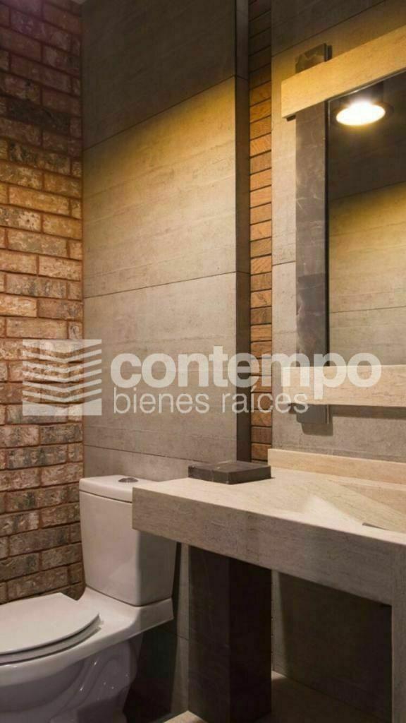 8 de 10: detalle acabados baños