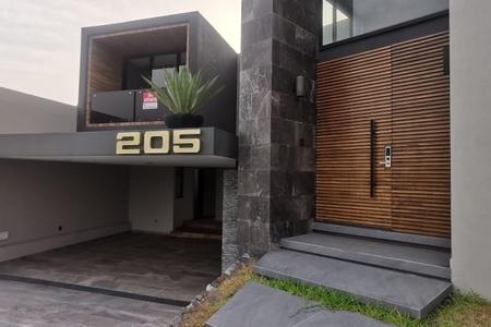 EB-HQ0999