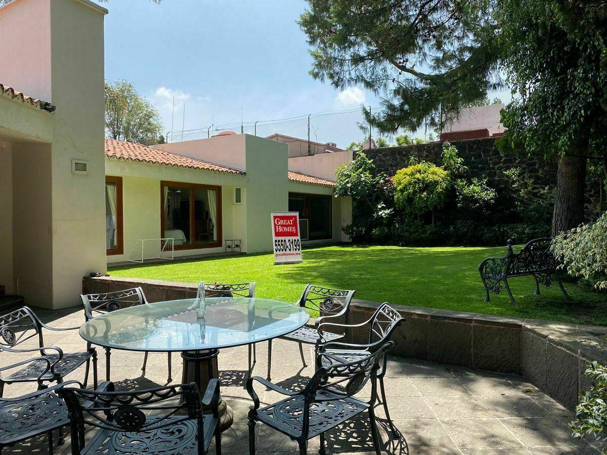 1 de 20: Jardín con terraza