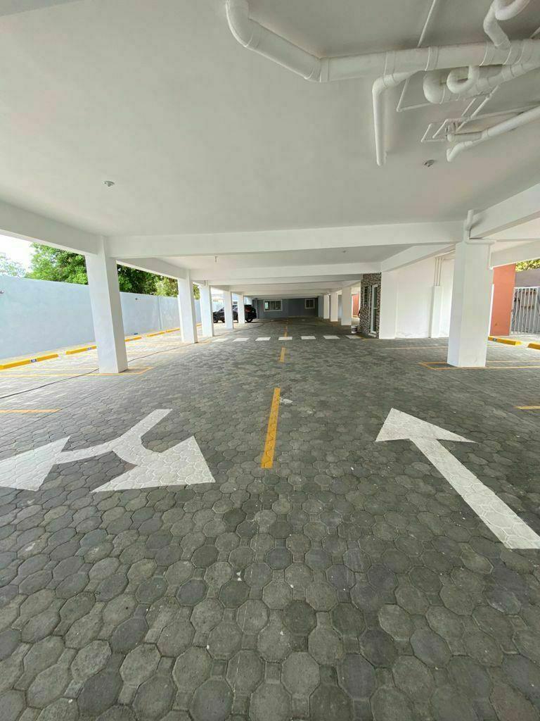 2 de 10: Estacionamientos