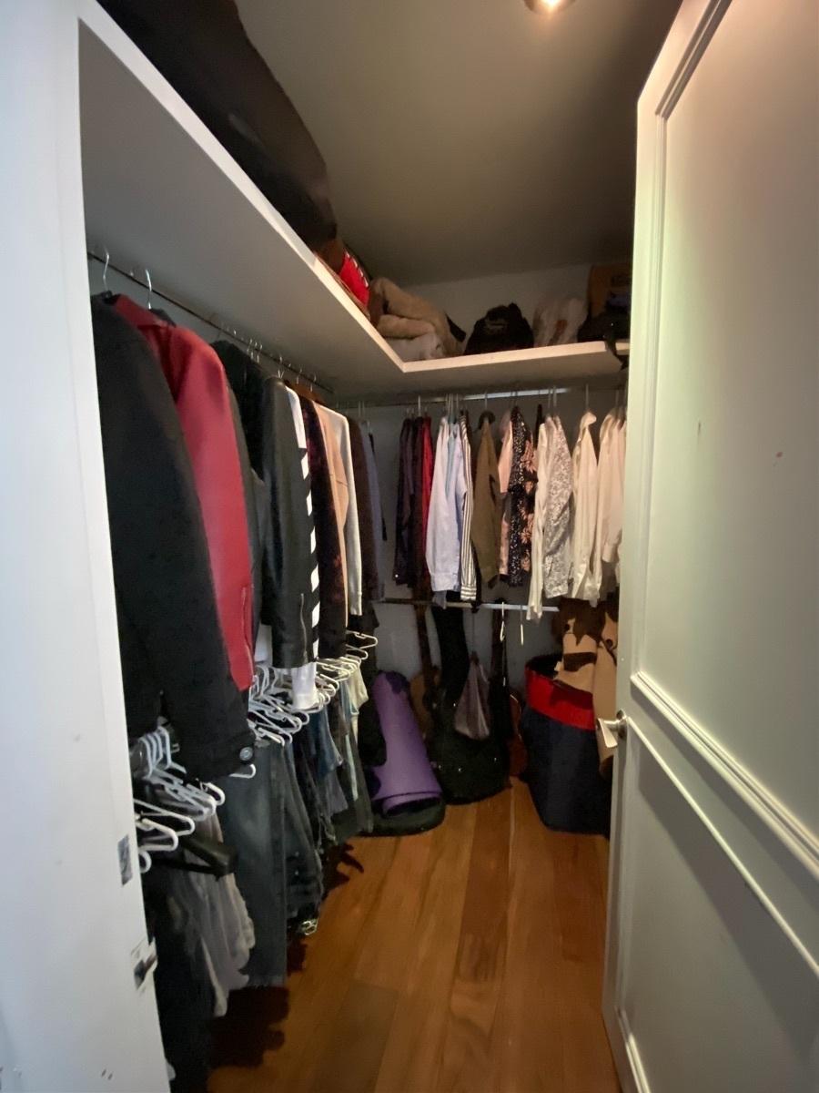 22 de 33: Walk in closet