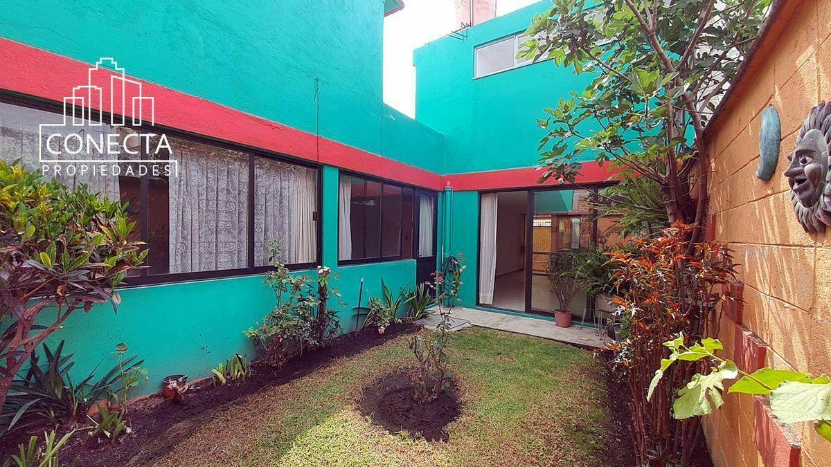 1 de 20: Recamaras y sala con acceso a jardin
