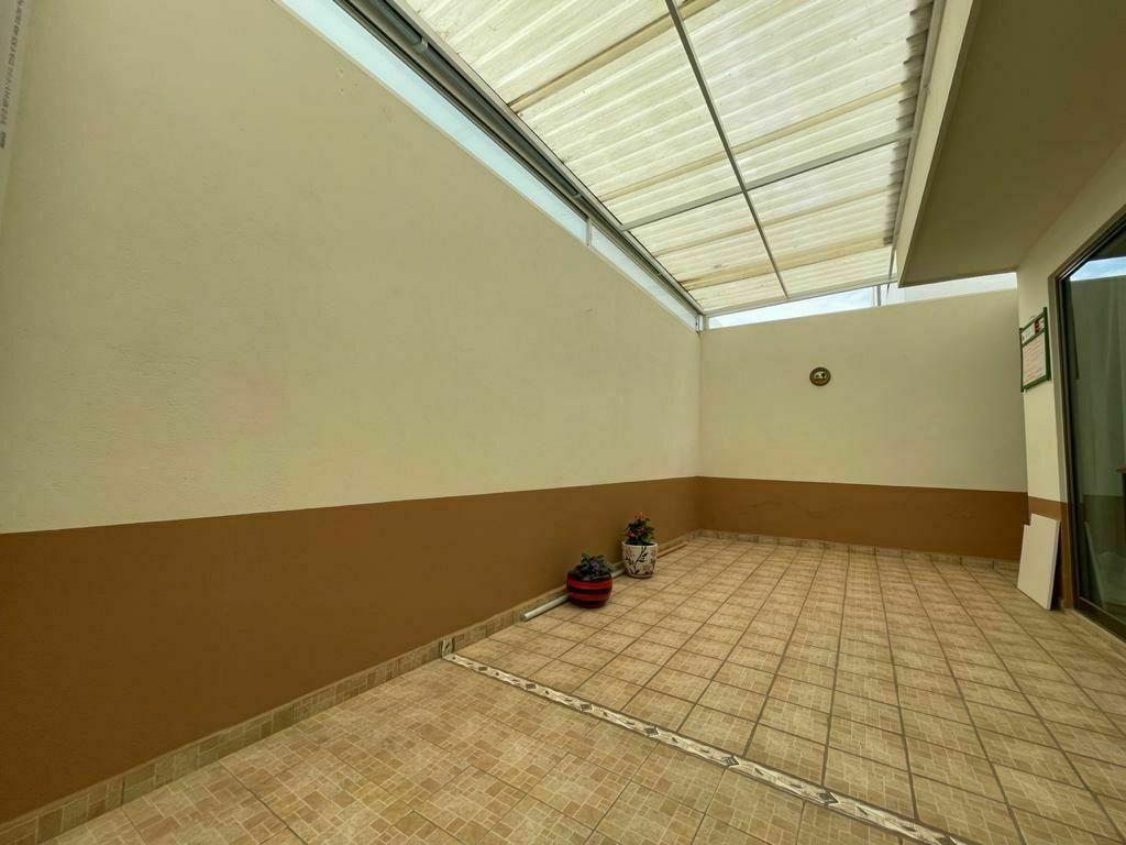 7 de 14: Patio trasero techado