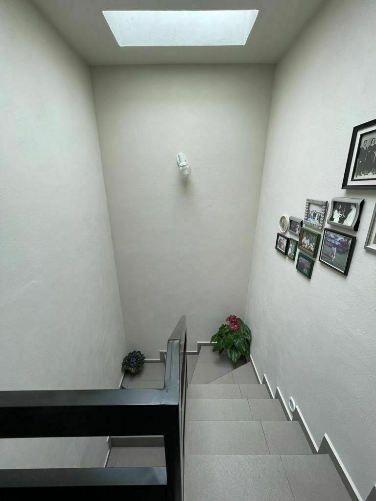 9 de 14: Escalera vista 2do piso