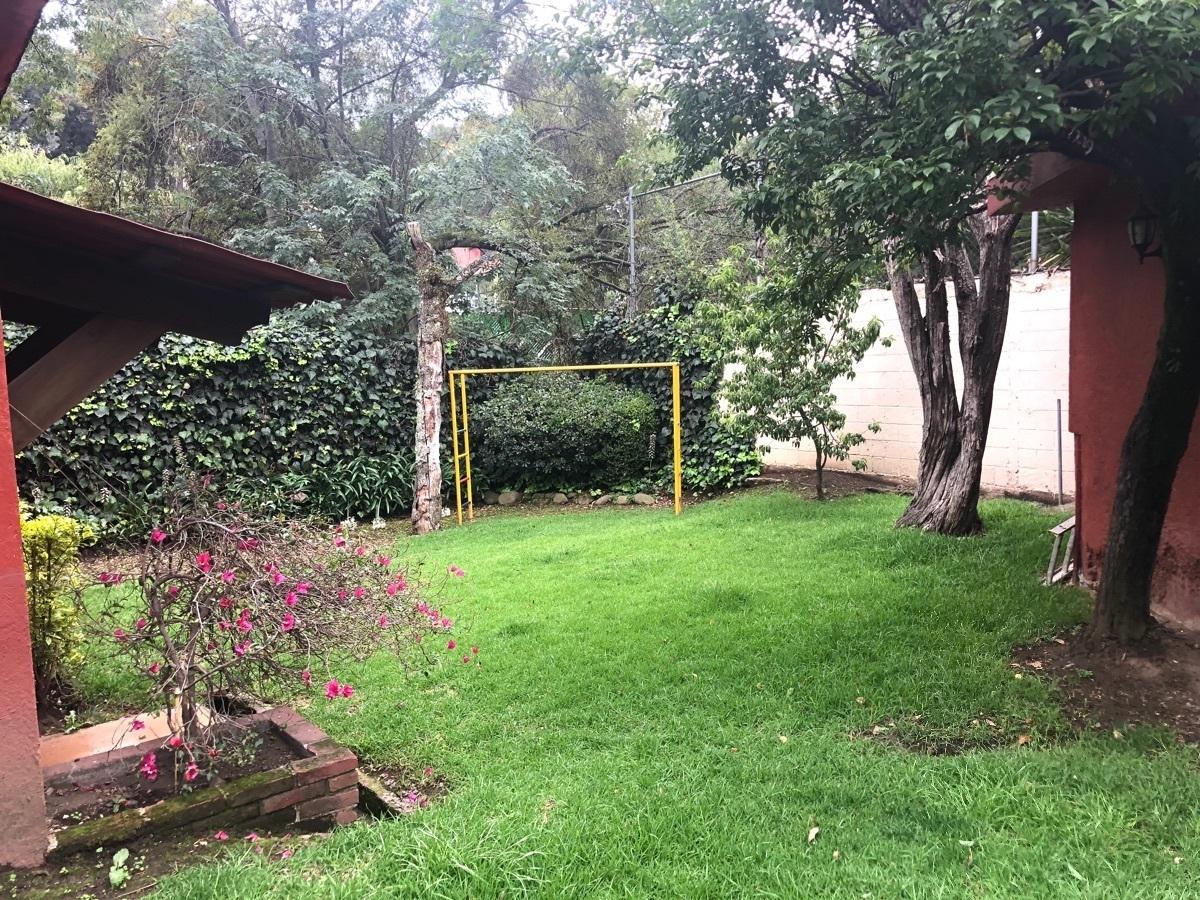 33 de 38: Jardín privado