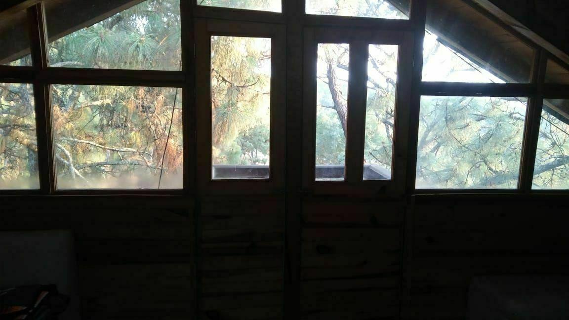 16 of 18: puerta y ventanal acceso al balcón planta alta