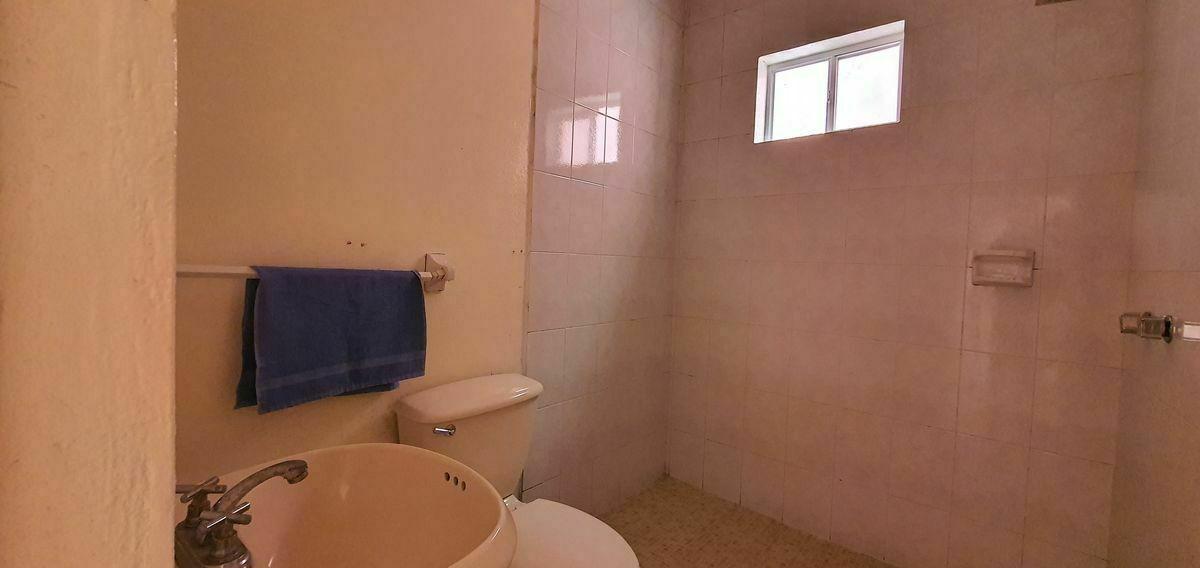 4 de 48: Departamento 1: Baño