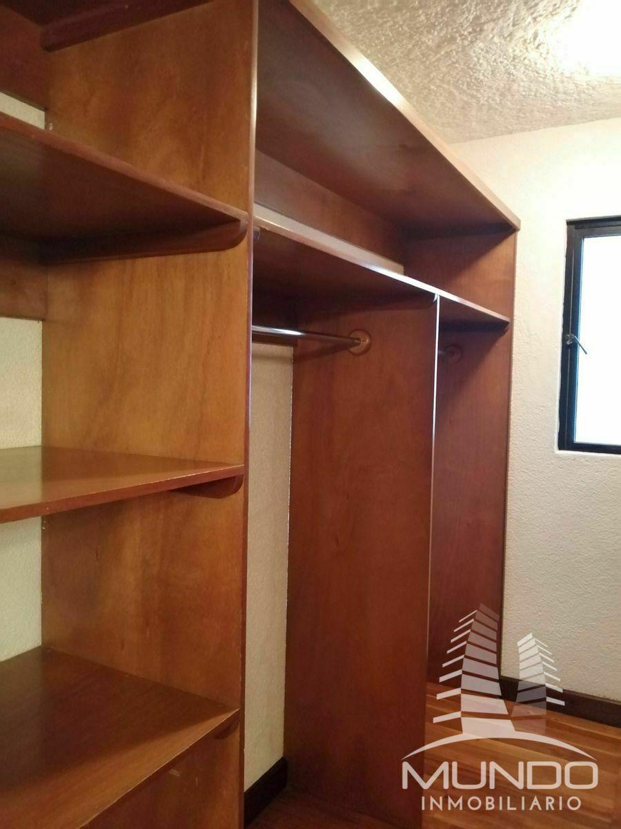 12 de 18: Walking closet habitación principal