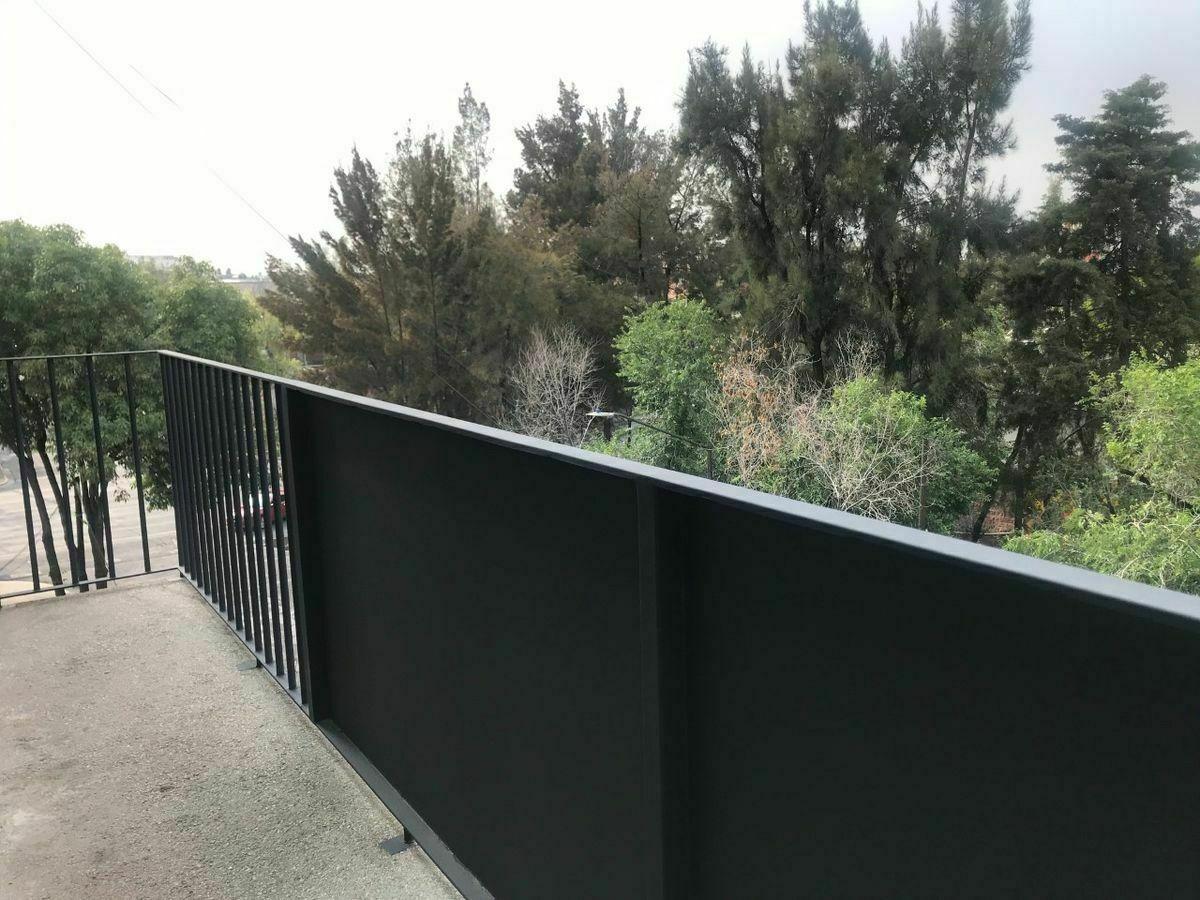 3 de 6: vista balcón