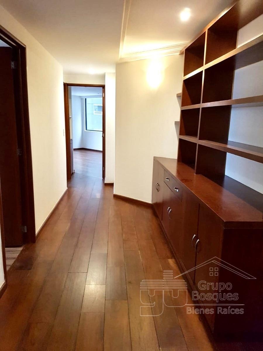 7 de 27: madera fina, muebles empotrados