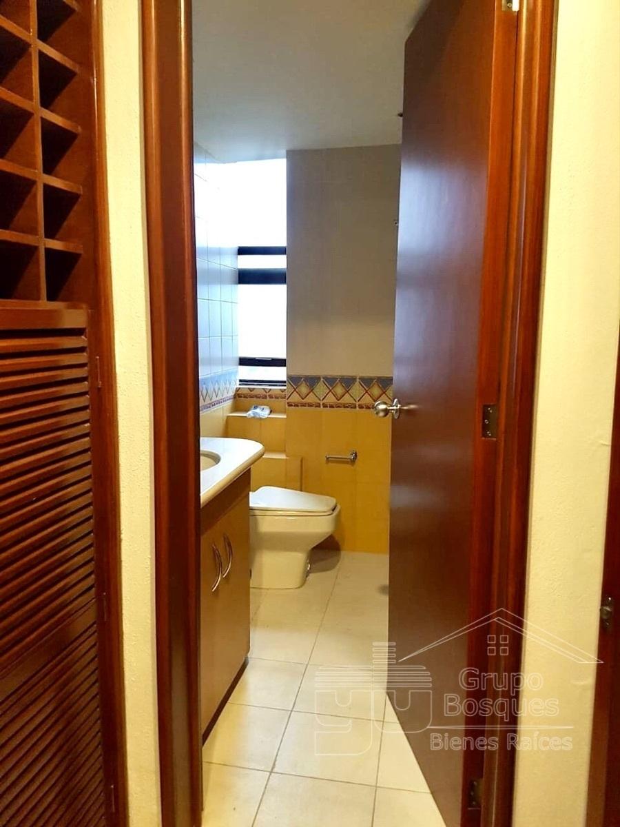 14 de 27: baños secundario