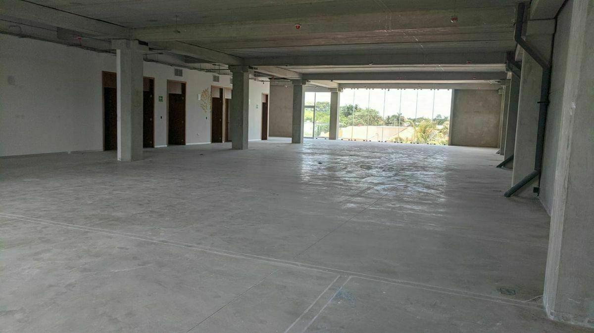 5 de 12: Interior