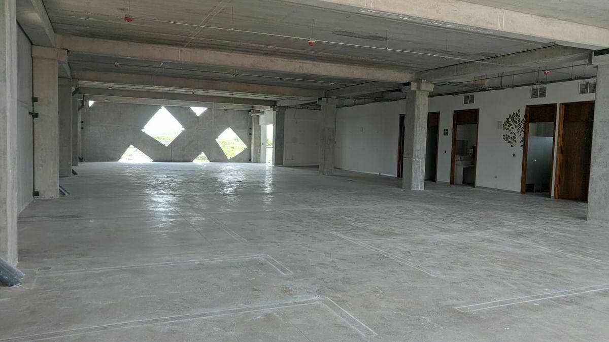 3 de 12: Interior