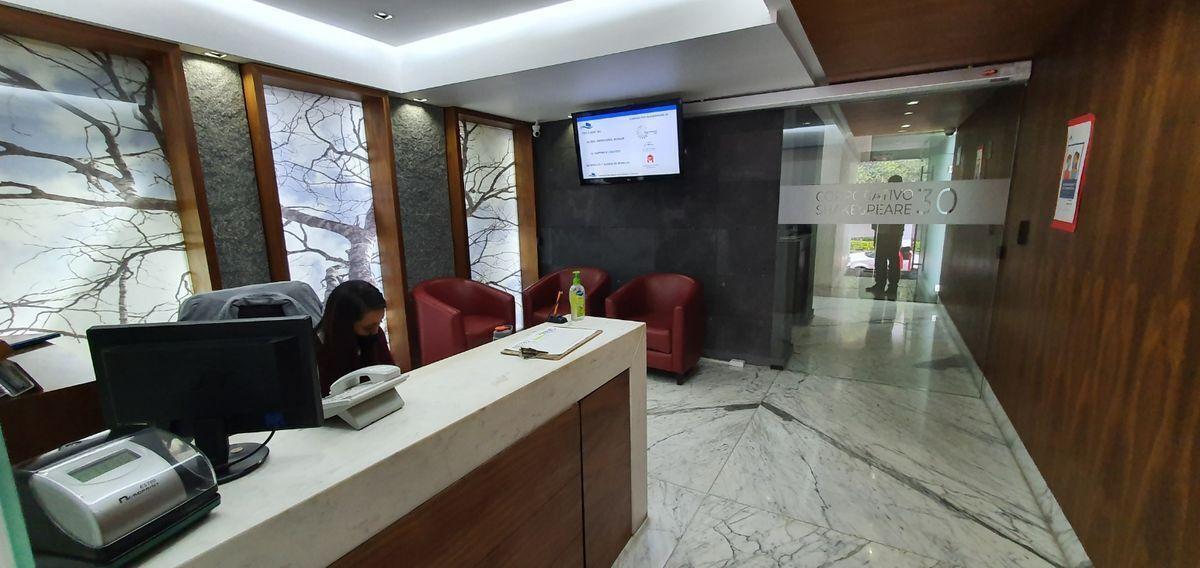 16 de 16: lobby