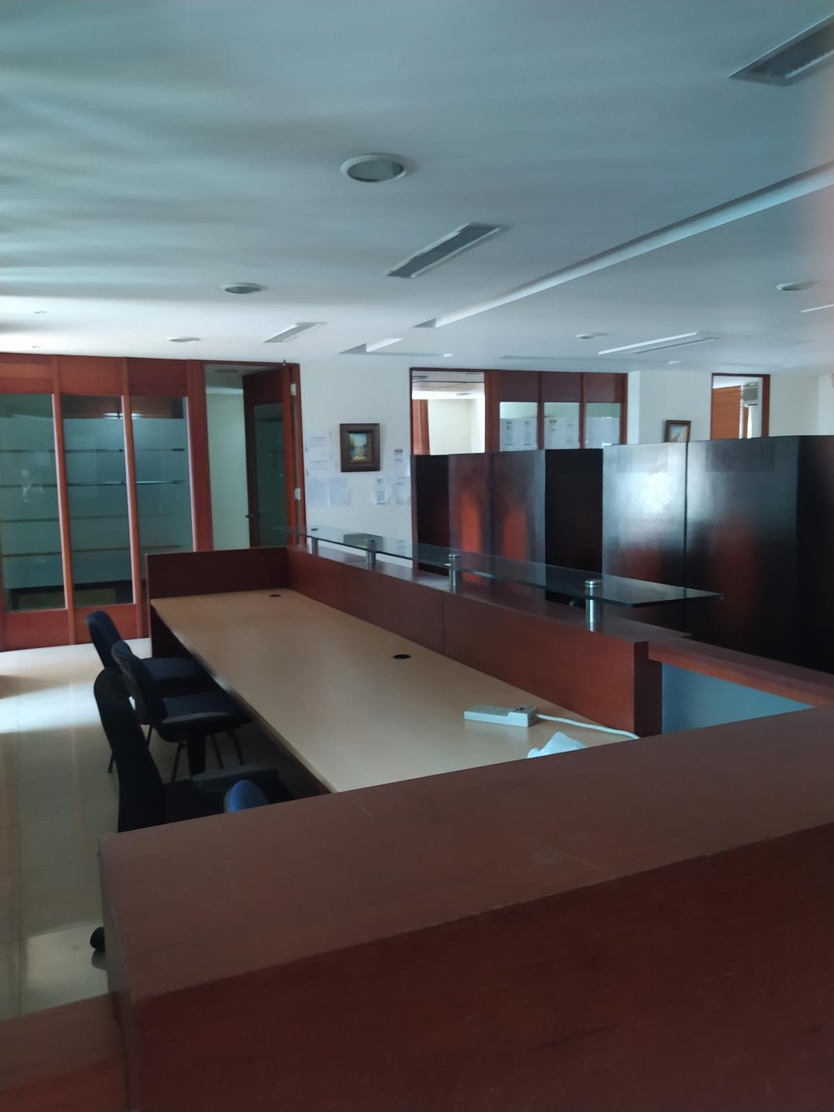 4 de 12: Oficinas