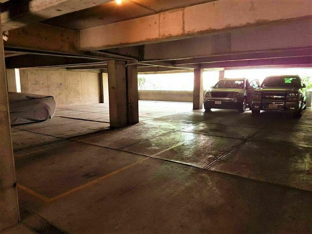 15 de 16: Estacionamiento techado para 4 vehículos