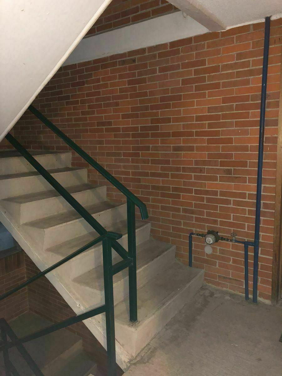 17 de 21: Escaleras