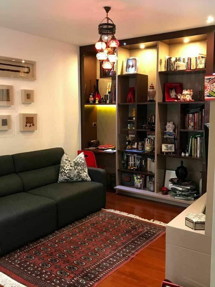 8 de 15: Sala de estar en el área íntima del departamento
