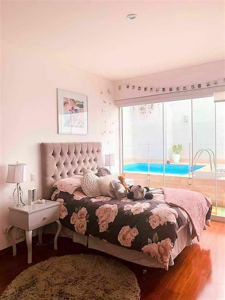 12 de 15: Dormitorio secundario que tiene salida a la terraza con pisc