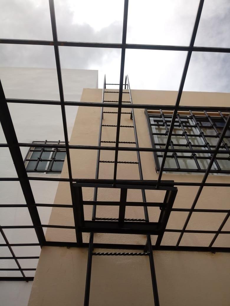 16 de 21: acceso al techo
