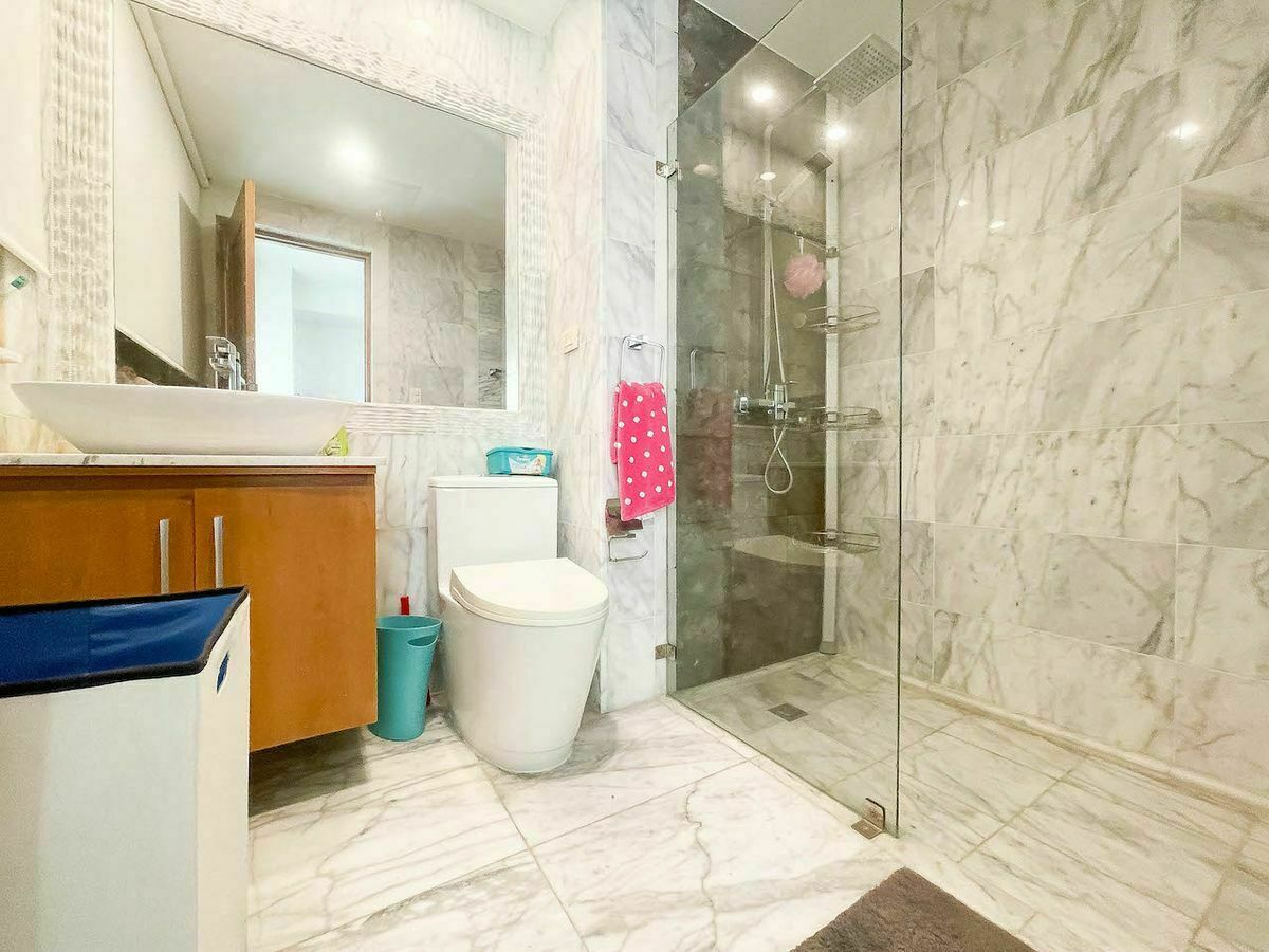 19 de 23: Baño habitación #2