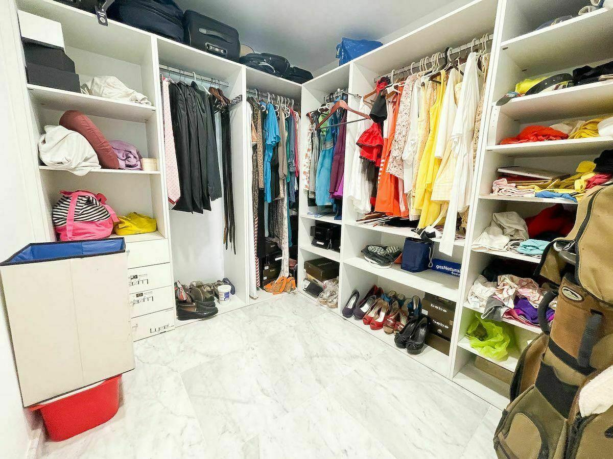 17 de 23: Walking closet habitación #1