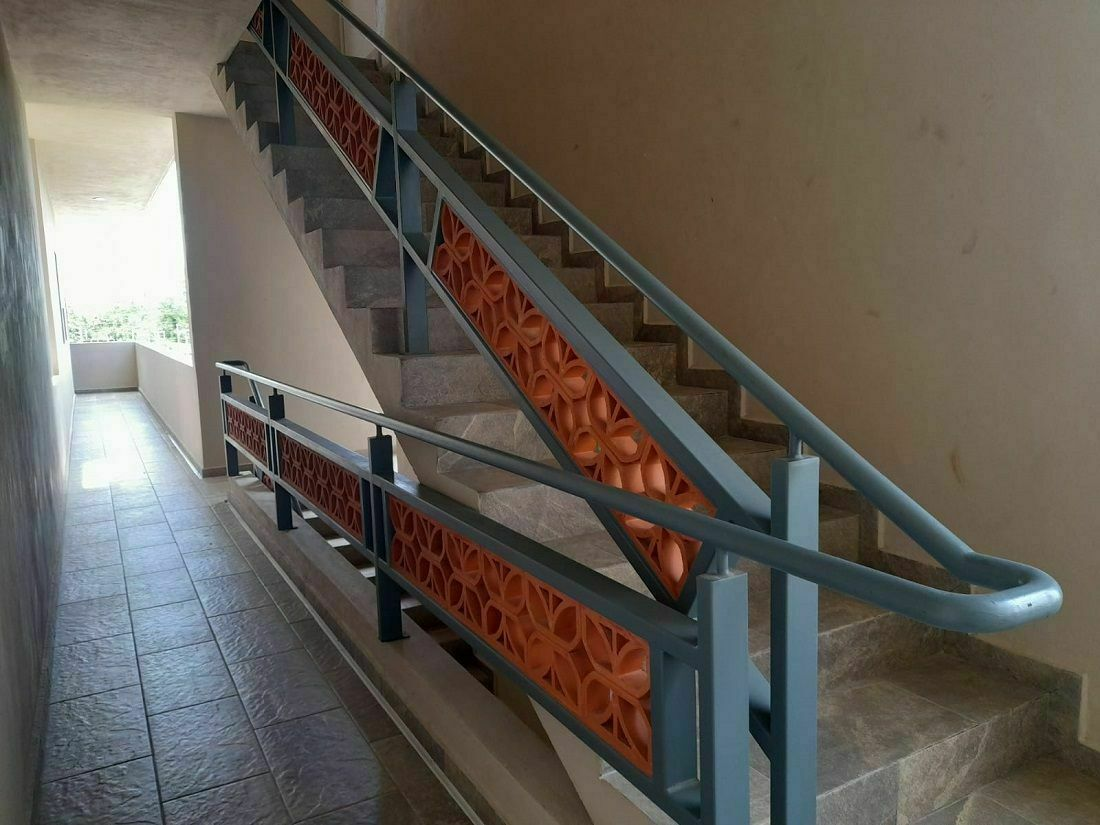 26 de 35: Escalera para nivel 1
