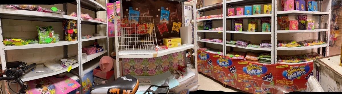2 de 6: Interior dulcería
