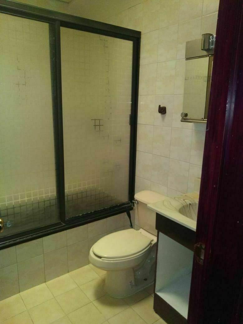 18 de 40: Baño secundario en P.A.