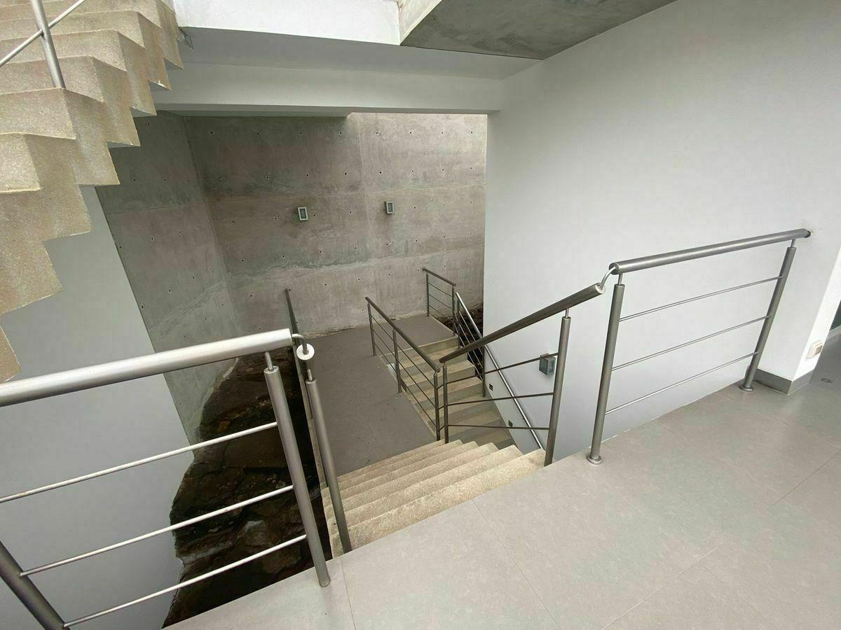 12 de 12: Escaleras que conducen al área íntima