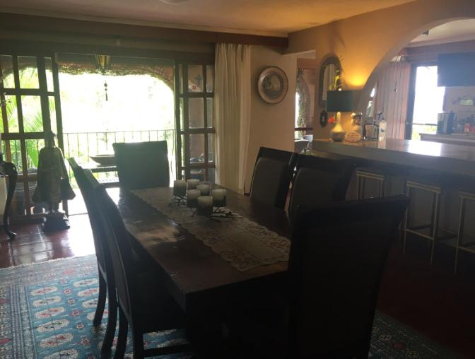 10 de 39: Comedor con balcón