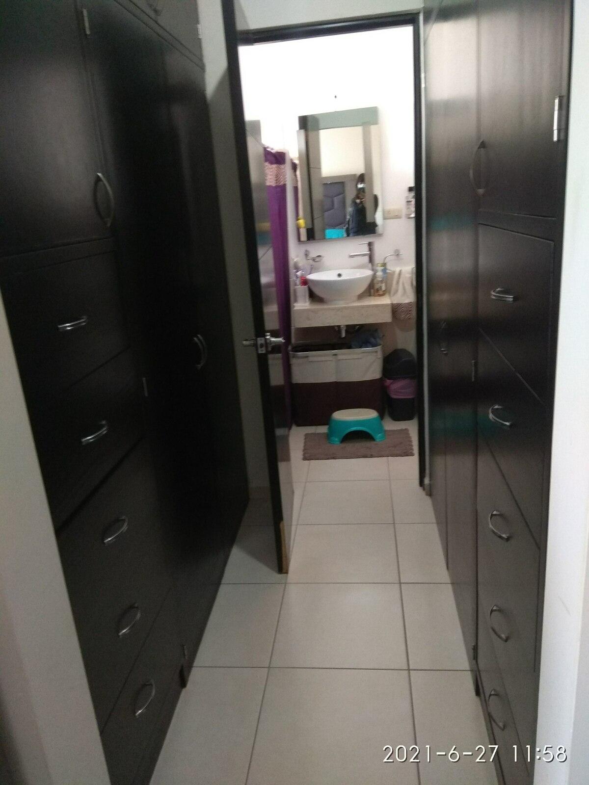 14 de 14: Closet y Baño de Recamara Principal