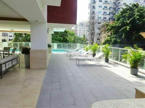 11 de 12: Area social, piscina