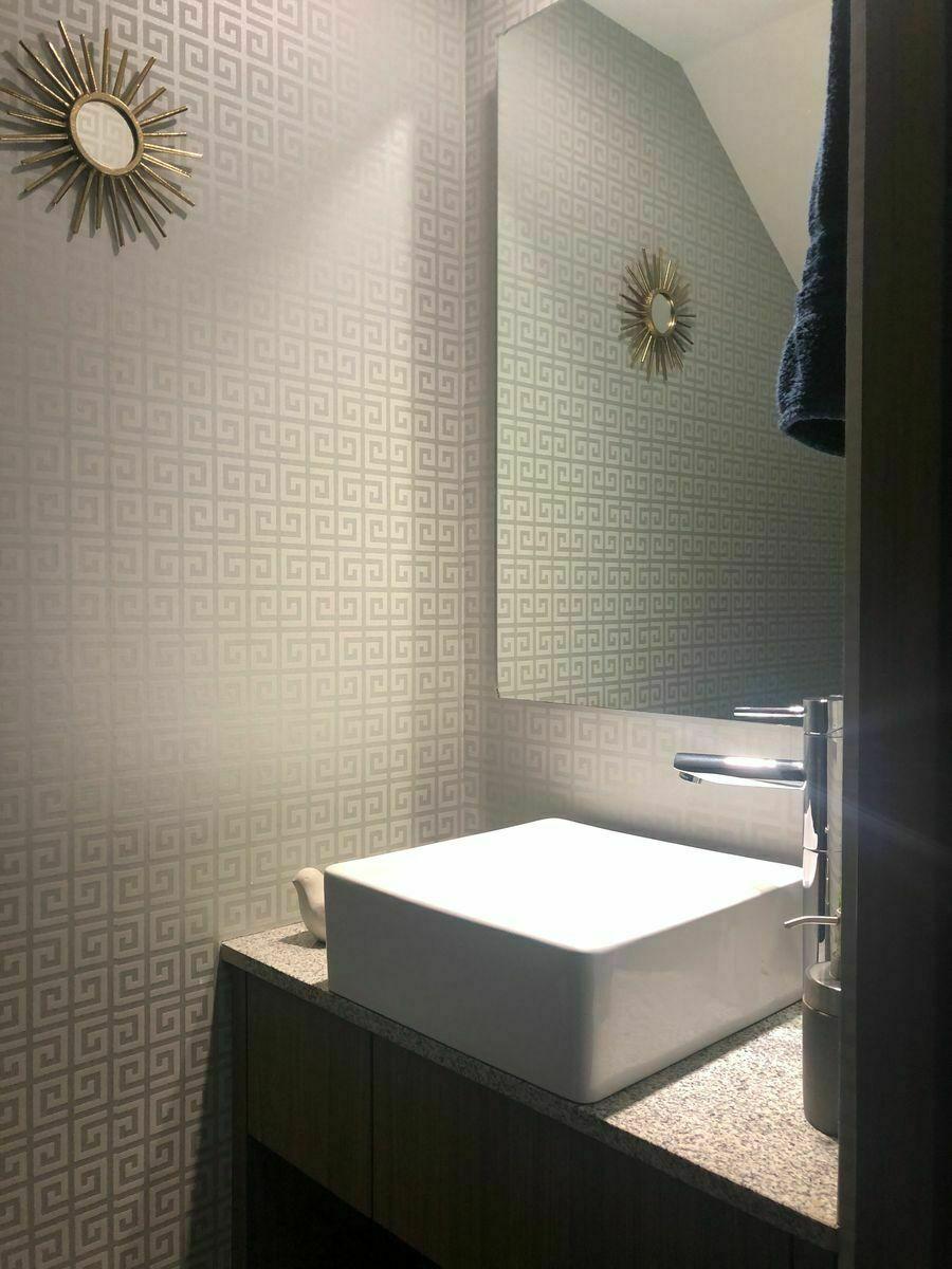 9 de 30: Medio baño de visitas