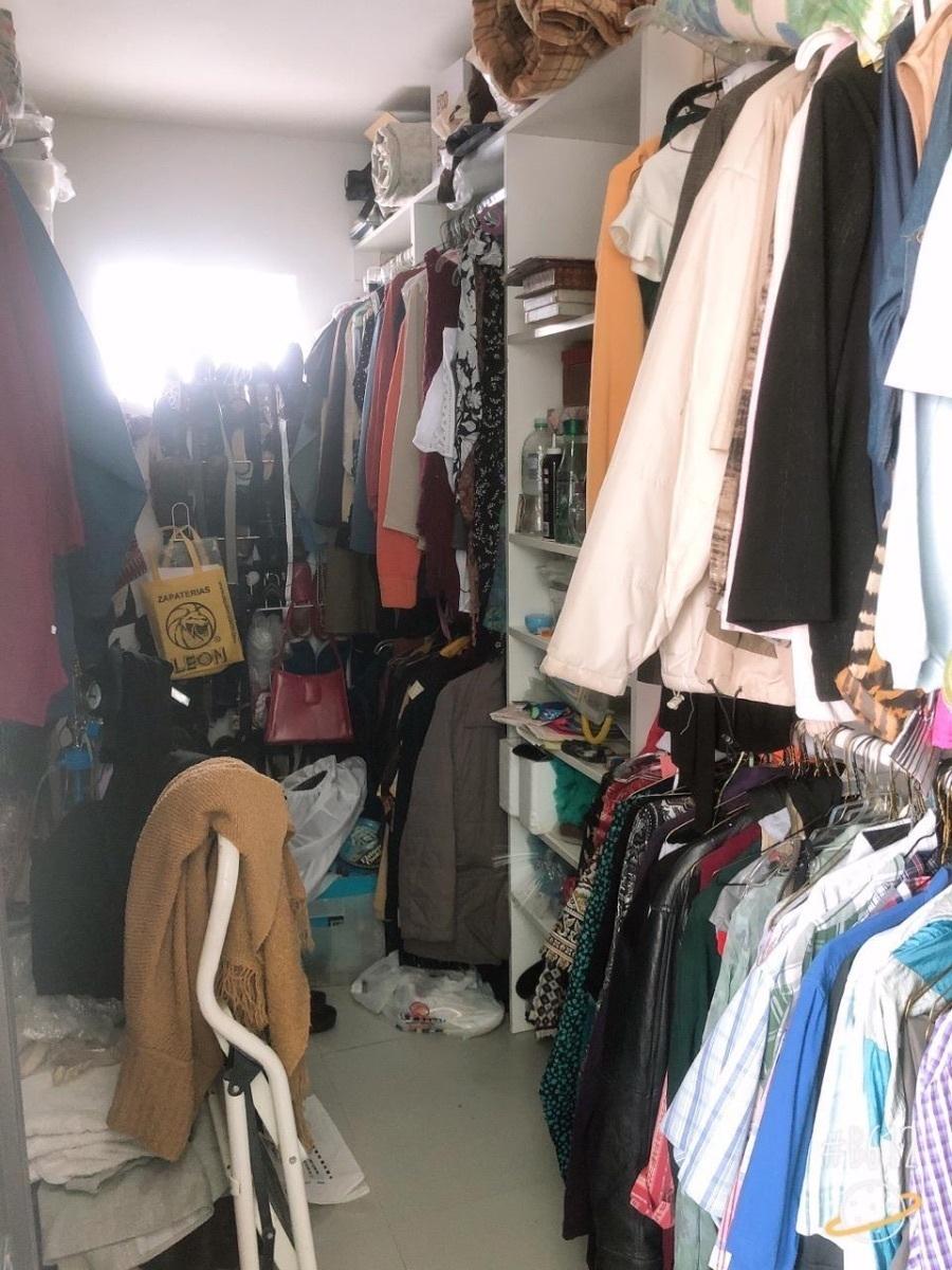 16 de 27: armario