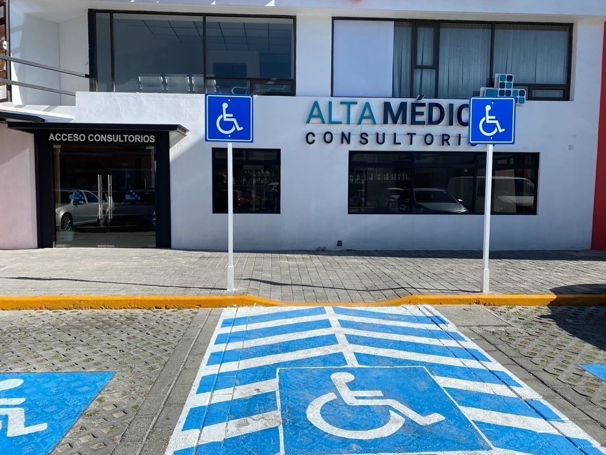9 de 10:  Consultorios en renta con estacionamiento y ubicación