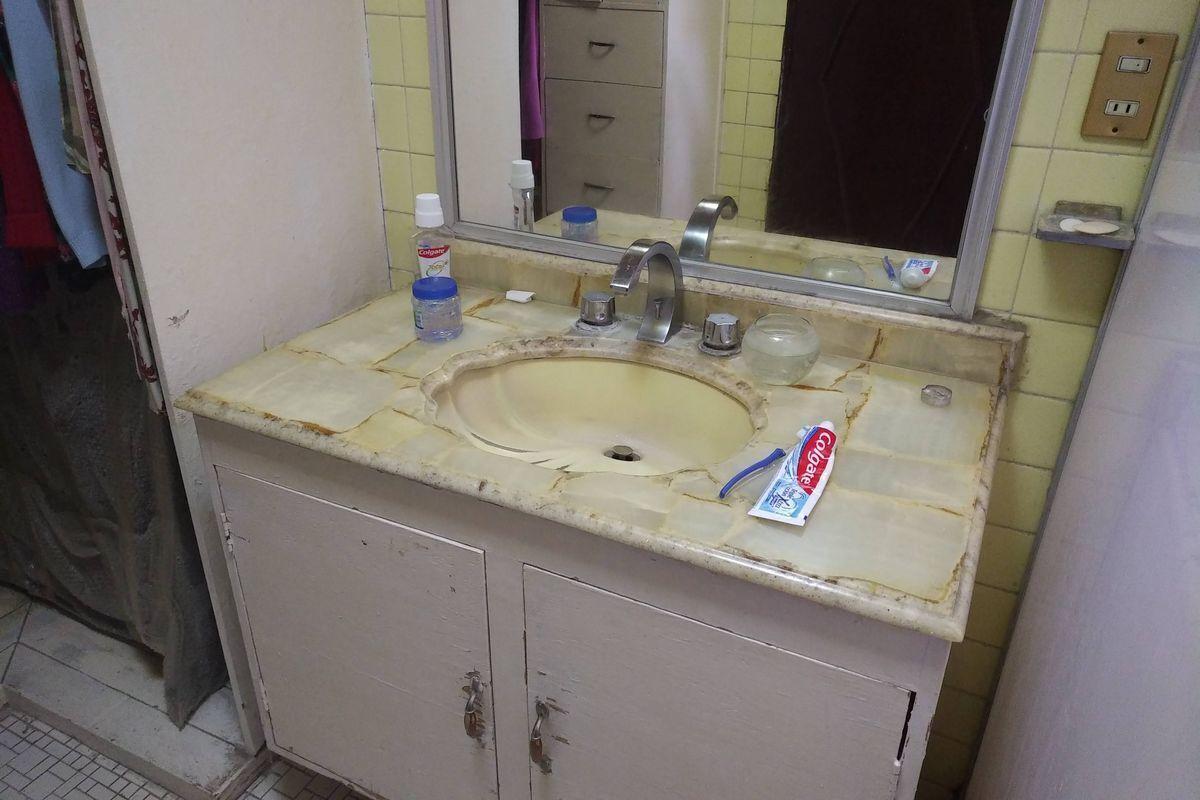38 de 50: Baño recámara principal