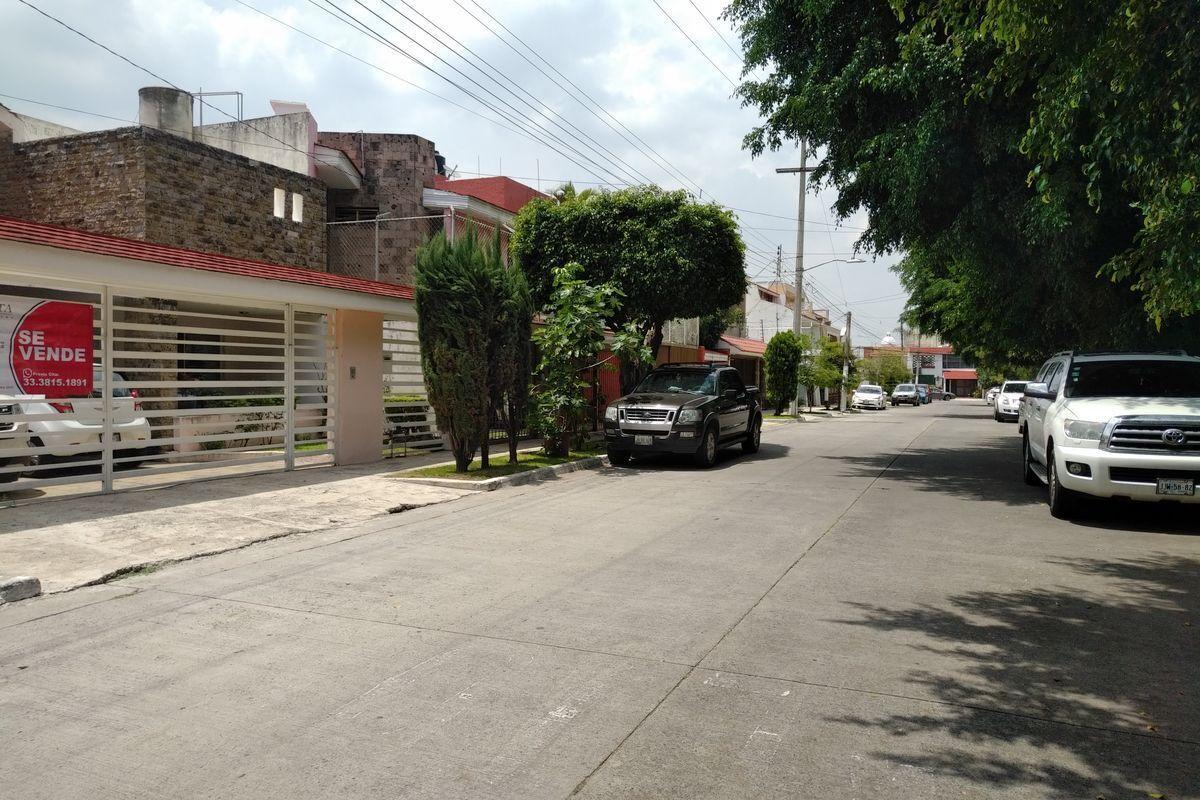 46 de 50: Vista de calle