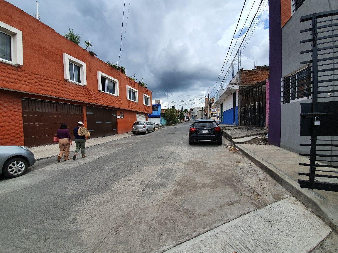 15 de 15: Calle casa