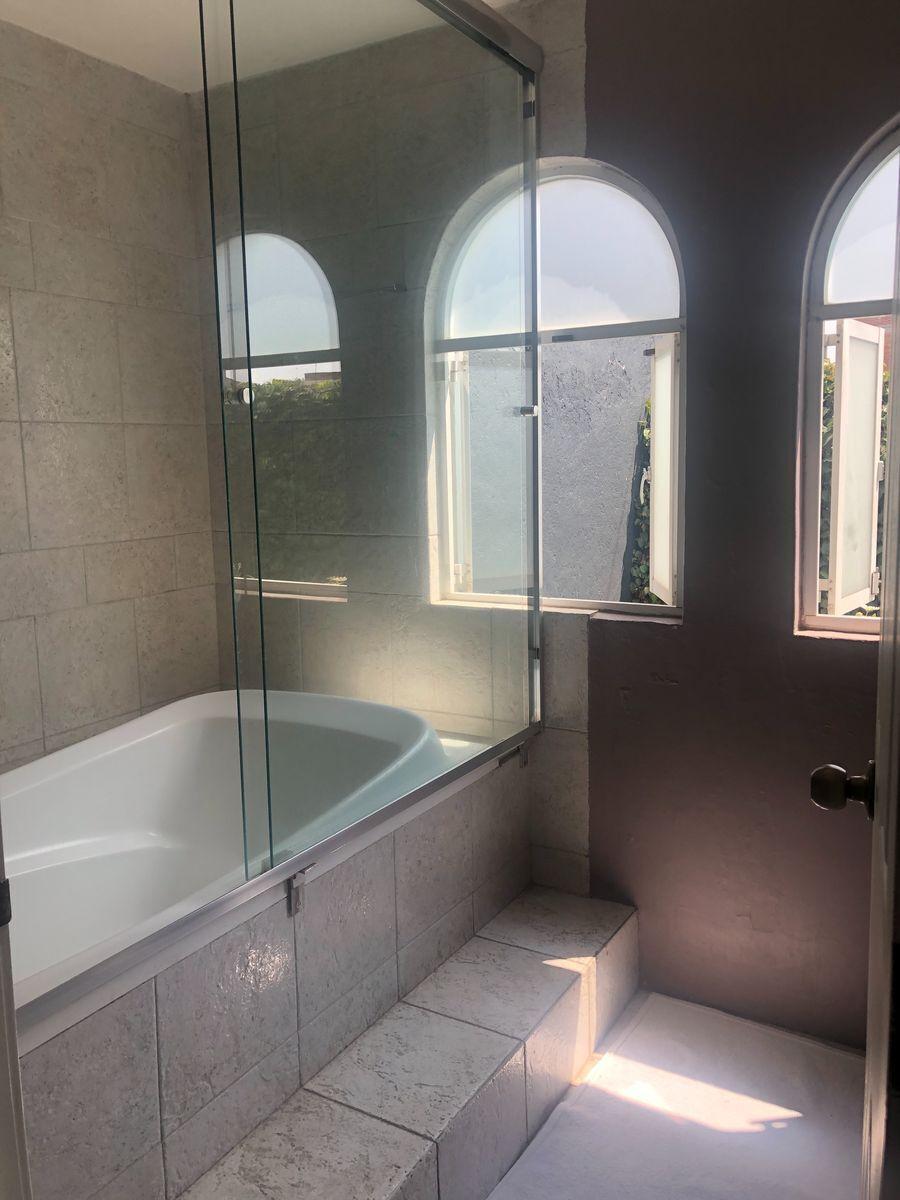 20 de 40: Baño B Habitación Principal Casa