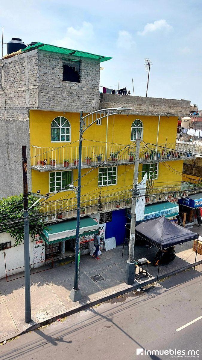 17 de 17: Vista Exterior, el espacio para rentar es el piso #2