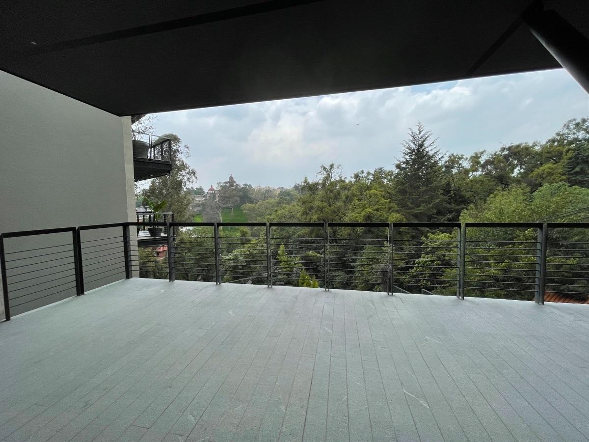 6 de 27: terraza con vista al bosque