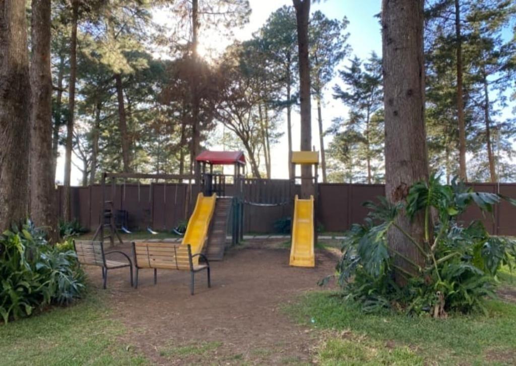2 de 11: área de Juegos Infantiles