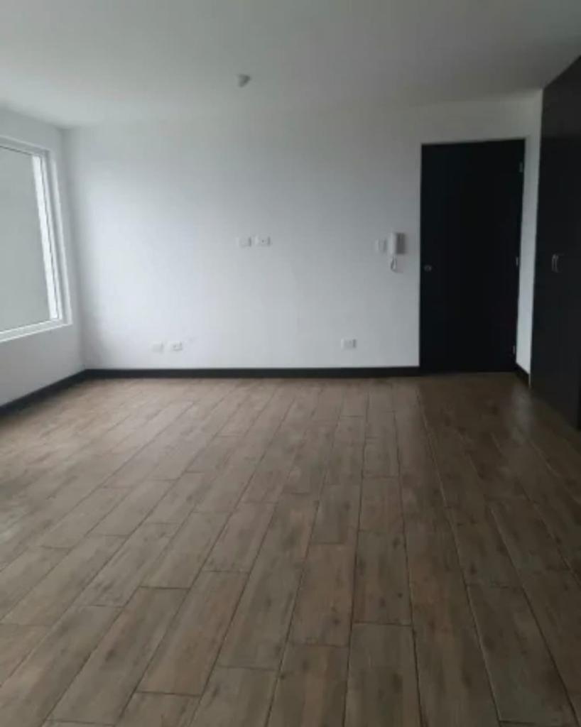 9 de 11: Amplios ambientes sin muebles
