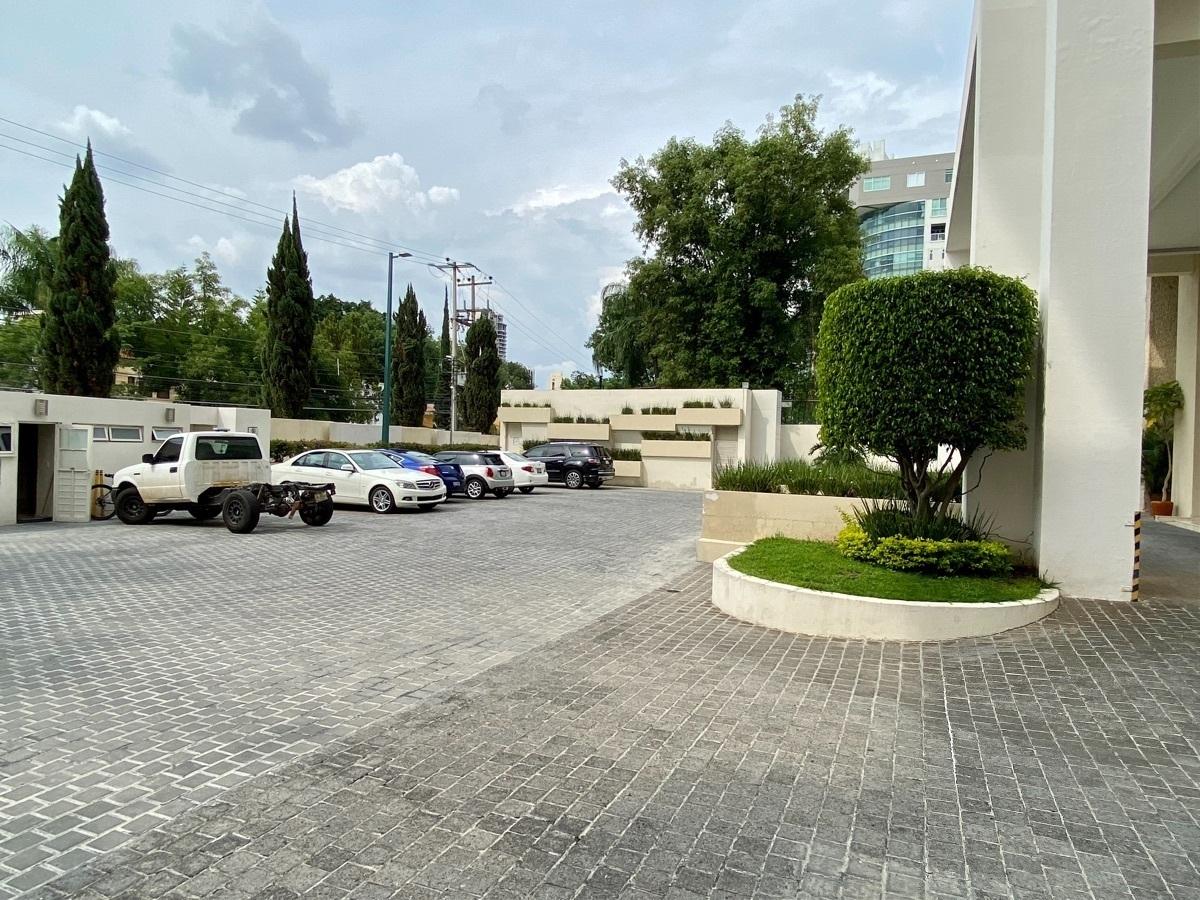 2 de 50: Estacionamiento visitas